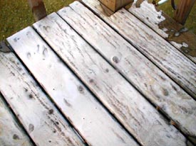 cleaning wood deck