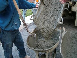 Pouring Concrete Sidewalks