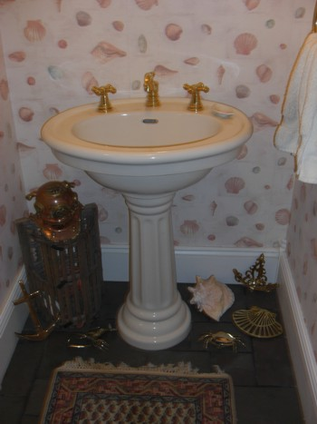 This pedestal sink was installed in a couple of hours. It's not too hard to do. PHOTO CREDIT:  Tim Carter